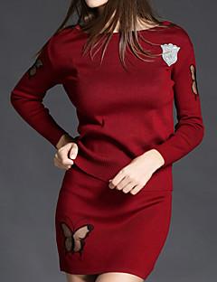 Langærmet Rund hals Medium Dame Rød / Sort / Grå Ensfarvet Efterår / Vinter Simpel Casual/hverdag Sæt Skjørte Suits,Polyester
