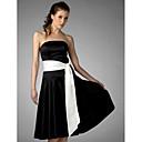 זול שמלות שושבינה-גזרת A / נשף סטרפלס באורך  הברך סאטן שמלה לשושבינה  עם סרט על ידי LAN TING BRIDE®