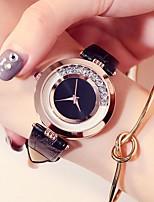 5a0052b203083 رخيصةأون ساعات النساء-نسائي ساعة المعصم كوارتز جلد أسود   الأبيض   أحمر 30 m