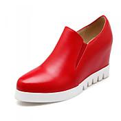 Mujer Zapatos Semicuero Primavera / Verano / Otoño Plataforma / Tacón Cuña Banda Blanco / Negro / Rojo