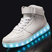 Hombre Zapatillas de deporte Confort Zapatos con luz PU Primavera Otoño Casual LED Tacón Plano Blanco Negro 5 - 7 cms