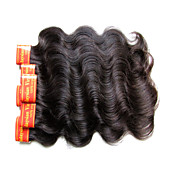マレーシアの処女髪の体の波300グラム1つの頭のための6バンドルロット7aグレード品質100%人間の髪のマシンは、