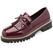Mujer Zapatos Cuero Patentado Invierno Confort Zapatos de taco bajo y Slip-On Dedo redondo Pajarita para Al aire libre Negro Beige Borgoña