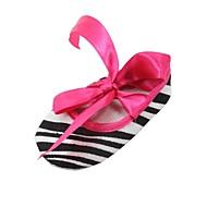 女の子 赤ちゃん フラット 赤ちゃん用靴 繊維 春 秋 カジュアル 赤ちゃん用靴 編み上げ フラットヒール ブラックとホワイト 1インチ以下