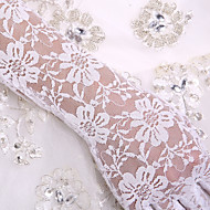 Lace / Cotton Wrist Length / Elbow Length Glove Charm / Stylish / Bridal Gloves With Embroidery / Solid