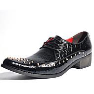 baratos Sapatos de Tamanho Pequeno-Homens Sapatos formais Couro Envernizado Primavera / Outono Oxfords Preto / Vermelho / Festas & Noite / Sapatas de novidade / Sapatos de vestir