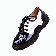 baratos Sapatos de Menino-Unissex Sapatos Couro Envernizado Inverno Primavera Verão Outono Conforto Rasos Sem Salto Dedo Apontado Cadarço para Casamento Casual