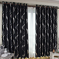 billige Mørkleggingsgardiner-Stanglomme Propp Topp Fane Top Dobbelt Plissert To paneler Window Treatment Moderne , Trykk Stue Polyester Materiale Blackout Gardiner
