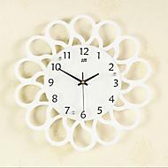 Creative Fashion Wood Mute Wall Clocks 2 Colors Optional(Black And White)