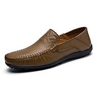 tanie Obuwie męskie-Męskie Wygodne loafery PU Wiosna / Lato Mokasyny i buty wsuwane Spacery Jasnobrązowy / Ciemnobrązowy / Khaki / Impreza / bankiet
