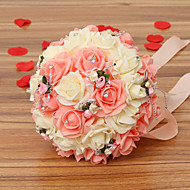 ピンクと白の花を保持している30のPEシミュレーションのバラの結婚式のブーケ結婚式の花嫁のブーケ