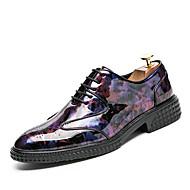 baratos Sapatos Masculinos-Homens Sapatos formais Couro de Porco Primavera / Outono Oxfords Caminhada Preto / Roxo / Verde / Casamento / Festas & Noite / Impressão Oxfords