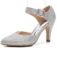 billige Bryllupssko-Dame Sko Glimtende Glitter / Syntetisk Sommer / Høst Basispumps bryllup sko Konisk hæl / Stiletthæl Rund Tå Spenne / Strikk Gull / Sølv