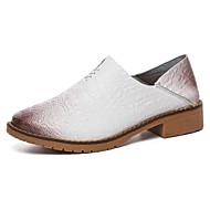 Dame 一脚蹬鞋、懒人鞋 Komfort Vår Høst Lær Avslappet Flat hæl Hvit Svart Brun Blå 5 - 7 cm