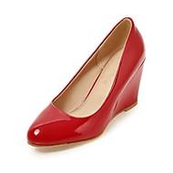 tanie Small Size Shoes-Damskie Obuwie Derma Jesień Comfort Zabawne Szpilki Okrągły Toe na Casual Formalne spotkania White Black Czerwony
