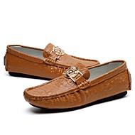 baratos Sapatos Masculinos-Homens Sapatos de Condução Couro Primavera / Outono Mocassins e Slip-Ons Marron / Verde / Azul