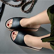 preiswerte -Damen Schuhe PVC Sommer Komfort Slippers & Flip-Flops Keilabsatz Runde Zehe für Normal Schwarz Rot Rosa