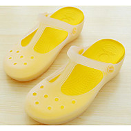 preiswerte -Damen Schuhe PVC Leder Frühling Herbst Komfort Slippers & Flip-Flops Flach für Normal Purpur Gelb Blau Rosa