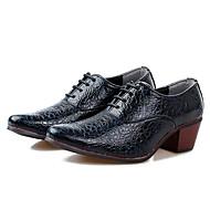 baratos Sapatos Masculinos-Homens Couro Ecológico Primavera / Outono Conforto Oxfords Preto / Azul Escuro / Vinho