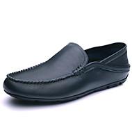 baratos Sapatos Masculinos-Homens Mocassim Pele Primavera Conforto Mocassins e Slip-Ons Branco / Preto / Azul Claro