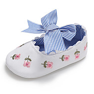 baratos Sapatos de Menina-Para Meninas Sapatos Lona Primavera & Outono Conforto / Primeiros Passos / Sapatos de Berço Rasos Laço / Flor / Elástico para Bebê Branco / Azul / Rosa claro / Casamento / Festas & Noite