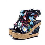 baratos Sapatos Femininos-Mulheres Sapatos Couro Ecológico Verão Conforto Sandálias Salto Plataforma Peep Toe Branco / Preto / Festas & Noite