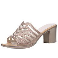 baratos Sapatos Femininos-Mulheres Sapatos Couro Envernizado Verão Chanel Sandálias Salto Robusto Pedrarias Dourado / Preto / Festas & Noite