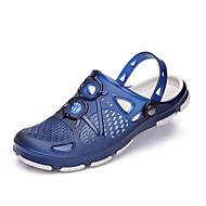baratos Sapatos Masculinos-Homens Mocassim PVC Verão Conforto Chinelos e flip-flops Preto / Marron / Azul