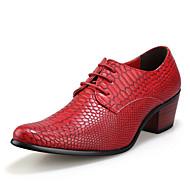 baratos Sapatos Masculinos-Homens Sapatos formais Pele Verão Oxfords Preto / Marron / Vermelho