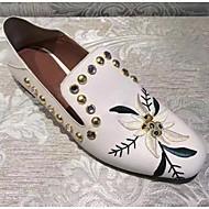 Χαμηλού Κόστους Άνετα μοκασίνια-Γυναικεία Παπούτσια Νάπα Leather Άνοιξη / Καλοκαίρι Μοκασίνι Μοκασίνια & Ευκολόφορετα Χαμηλό τακούνι Τετράγωνη Μύτη Χάντρες / Σατέν Λουλούδι Λευκό / Μαύρο