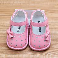 baratos Sapatos de Menina-Para Meninas Sapatos Pele Verão Primeiros Passos Rasos Laço / Velcro para Bebê Branco / Vermelho / Rosa claro