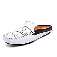 baratos Sapatos Masculinos-Homens Pele Verão Conforto Tamancos e Mules Branco / Preto / Azul
