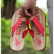 baratos Sapatos Masculinos-Homens Sapatos Confortáveis PVC Verão Chinelos e flip-flops Vermelho / Verde / Azul