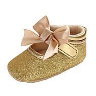 baratos Sapatos de Menina-Para Meninas Sapatos PVC Outono & inverno Conforto / Primeiros Passos Botas Laço / Presilha / Velcro para Bebê Preto / Prata / Rosa claro
