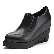 baratos Sapatos Femininos-Mulheres Sapatos Confortáveis Pele Napa Verão Mocassins e Slip-Ons Salto Plataforma Branco / Preto