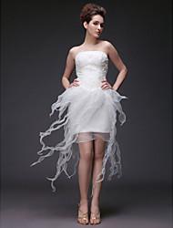 Eng anliegend Trägerlos Asymmetrisch Organza Satin Hochzeitskleid mit Perlenstickerei Applikationen Rüsche durch LAN TING BRIDE®