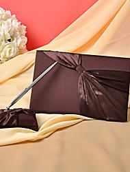 Prateleira de livro de visitas conjunto de cetim decorado pelo casamento do cetim