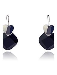 Boucles d'oreille goutte Résine Mode Forme de Coeur Blanc Noir Bijoux Soirée Quotidien Décontracté 2pcs