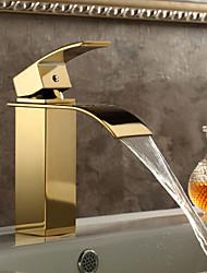 abordables -chute d'eau en laiton lavabo robinet (ti-finition PVD)