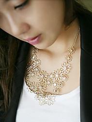la mode des femmes découpé collier floral