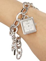 billige -Kvinders Simple rektangel Dial Alloy Band Quartz Analog Bracelet Watch