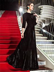 baratos -Linha A Decorado com Bijuteria Longo Veludo Estilo Celebridade / Inspiração Vintage Evento Formal Vestido com Pregas de TS Couture®