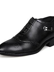 Masculino sapatos Couro Envernizado Primavera Verão Outono Inverno Conforto Oxfords Para Casual Festas & Noite Preto Marrom