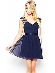 billige -Dame I-byen-tøj Sødt A-linje Kjole - Ensfarvet, Blonder Åben ryg Flettet Over knæet Dyb V