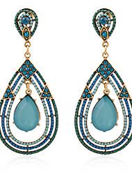 Femme Boucles d'oreille goutte Cristal Diamant synthétique Pierres synthétiques Cristal Imitation de perle Agate Résine Strass Alliage