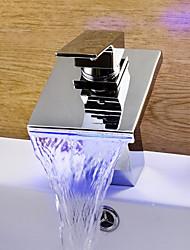 abordables -Contemporain Diffusion large LED / Cascade with  Valve en céramique Mitigeur un trou for  Chromé , Robinet lavabo