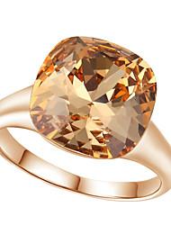 preiswerte -Damen Luxus Kristall Diamantimitate / Aleación Statement-Ring - Quadratisch / Geometrische Form Luxus / Modisch Rot / Champagner Ring Für