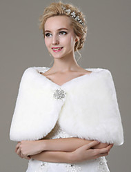 cheap -Sleeveless Faux Fur Wedding Party Evening Casual Fur Wraps Wedding  Wraps With Rhinestone Shawls