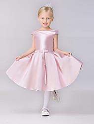 Недорогие -a-line короткое / мини-платье девушки цветка - атласная короткая втулка bateau шея с сплетениями lovelybees