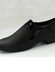 Недорогие -Для мужчин Современный Сальса Кожа На каблуках Тренировочные Для начинающих Профессиональный стиль Для закрытой площадки Концертная обувь